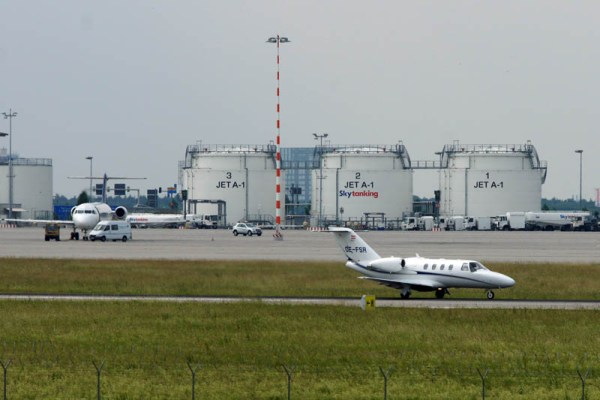 Kerosintanks am Flughafen Stuttgart (© O. Pritzkow)