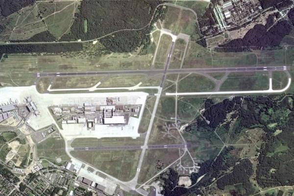 Flughafen Köln-Bonn aus der Luft (Borsi112, GFDL 1.2)