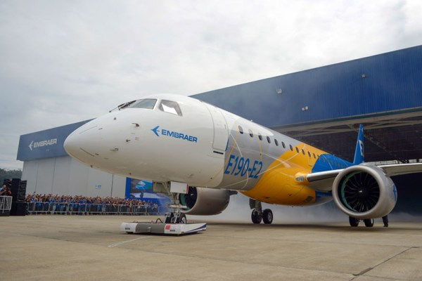 Roll-out des Embraer E190-E2 (© Embraer)