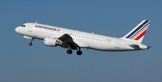 Start eines Airbus A320-200 der Air France (© O. Pritzkow)