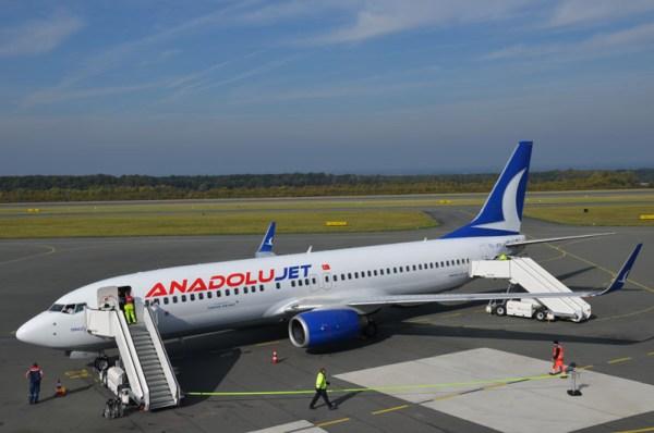 Boeing 737-800 der AnadoluJet (© Paderborn Airport)