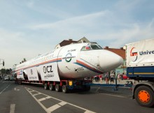 Transport der Tu-154 ins Museum (© Universal Transport)