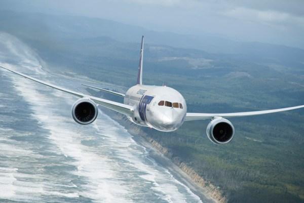 LOT Boeing 787 Dreamliner (© LOT)