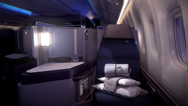 Polaris Business Class (© United)