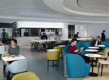 """Der Bereich """"La Table Gourmet"""" ist im Stil einer französischen Brasserie gestaltet mit einer offenen Küche (© Air France)"""
