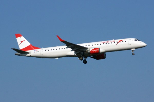 Embraer 195 der Austrian Airlines (© O. Pritzkow)
