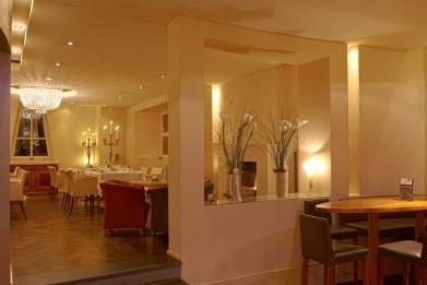 DesBalances_BarundRestaurant_0005