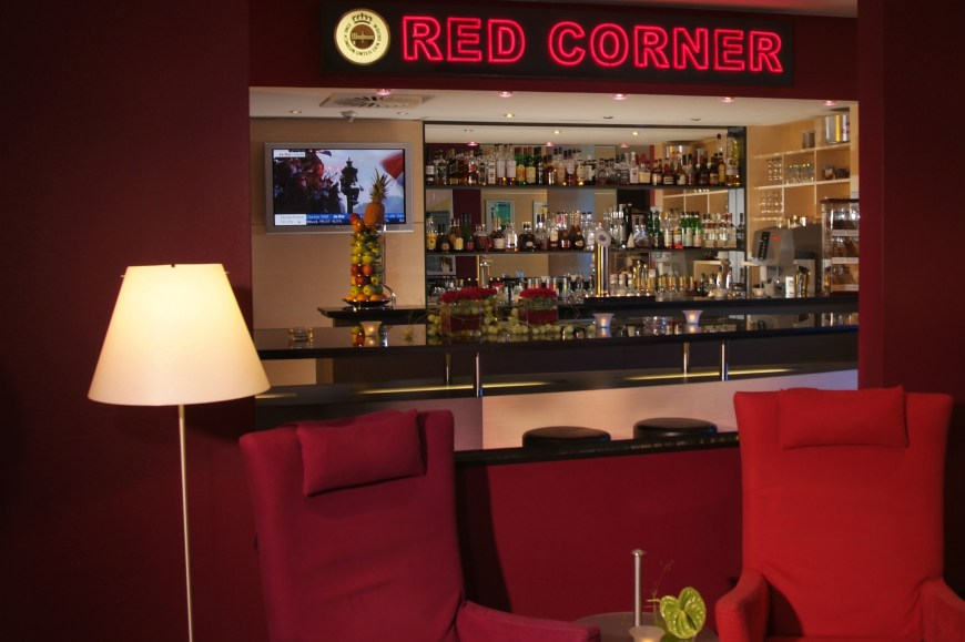 WELCOME Essen RedCornerBar3