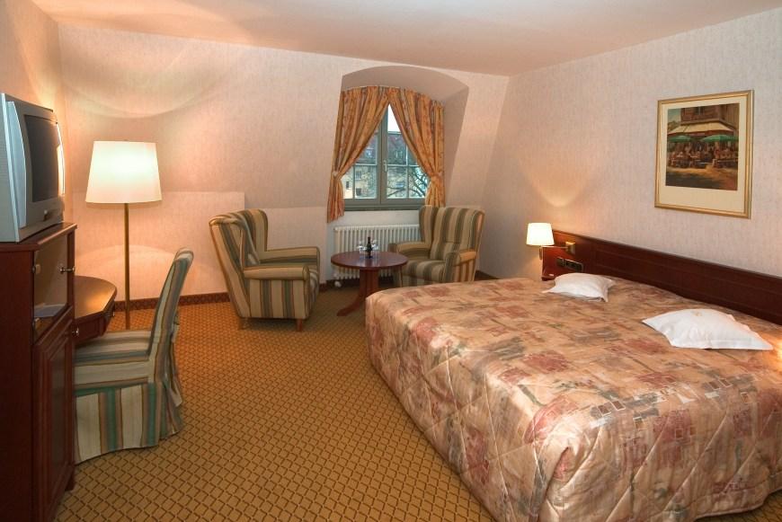 19 Hotelzimmer II
