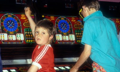 UK Gambling Commission highlights failures to stop children playing on 18+ pub gaming machines