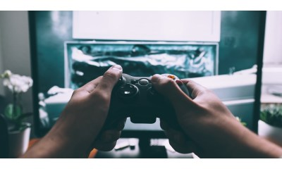 Internet Matters Suggests Parents to Play Online Games with Children to Ease Safety Concerns