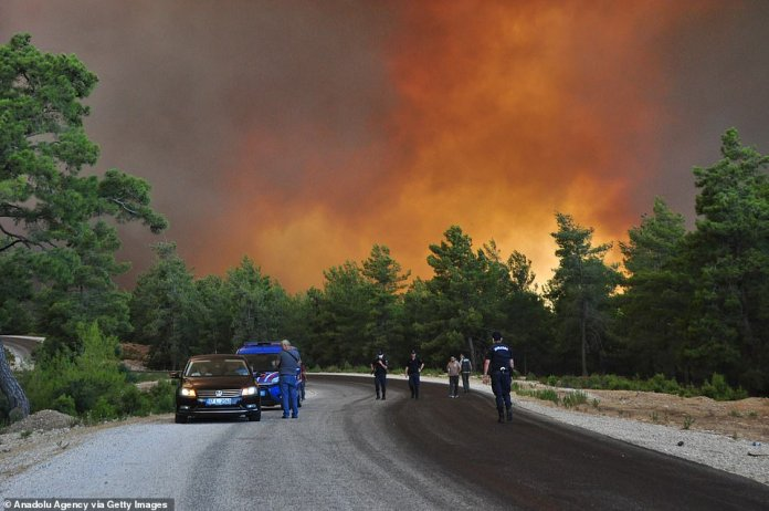 Forest fires rage in Italy and Turkey, causing mass evacuations
