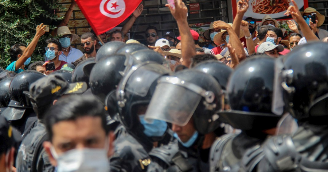 EU calls for Constitution Respect in Tunisia As President Accused of Coup