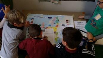 Ihr Wissen über Länder und Hauptstädte mussten die Schülerinnen und Schüler bei der Europa-Rallye beweisen.