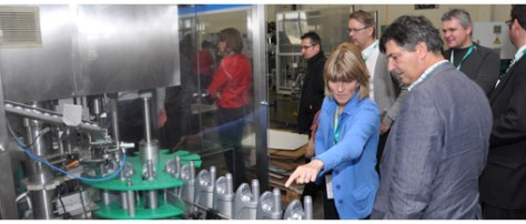 During the tour of the premises, the newest production facilities could be seen in action. Motorex relies on the production location in Langenthal and also makes use of a strong technical support department to assist its partners.