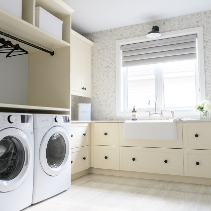 euro-tile-stone-cheo-dream-home-gawley-photography-laundry-room