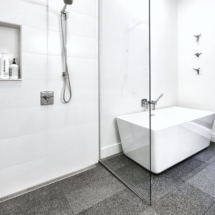 euro-tile-stone-maginteriordesign-bathroom-river