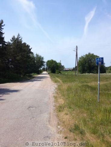 Litauen: zack der erste Fahrradwegweiser zum EuroVelo10