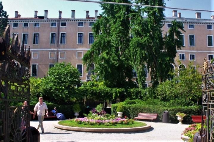 Jardines Reales de Venecia, Detras de la Plaza San Marcos