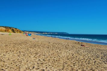 Wild Lagoa de Albufeira in Portugal - one of the best beaches near Lisbon
