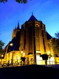 Delft por la noche
