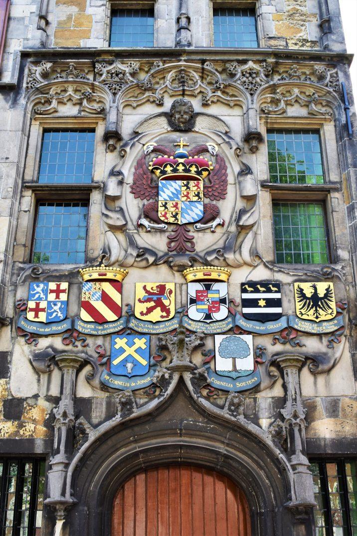 Casa gótica de 1505 en Oude Delft.