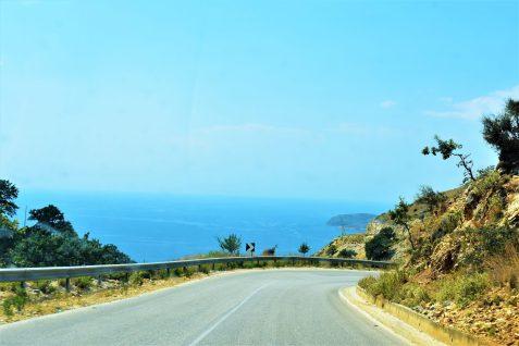 Muchas carreteras albanesas se encuentran entre las más pintorescas de Europa
