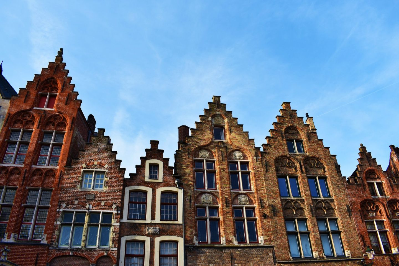 Fachadas Escalonadas de Brujas