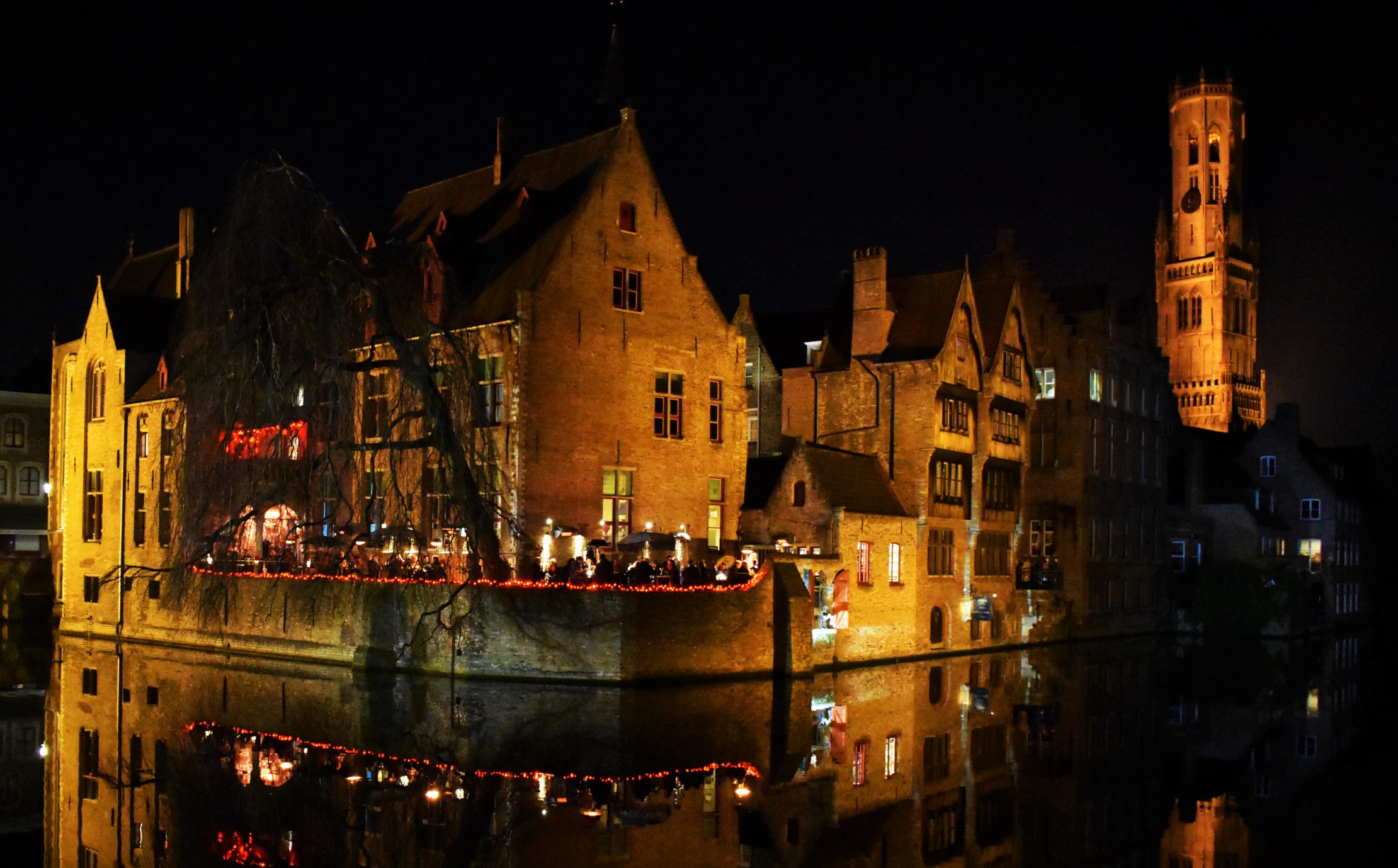 Romantic cafes along the canals
