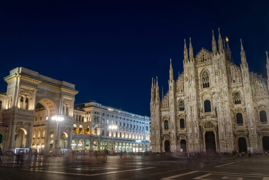 Piazza Duomo in Milano by night