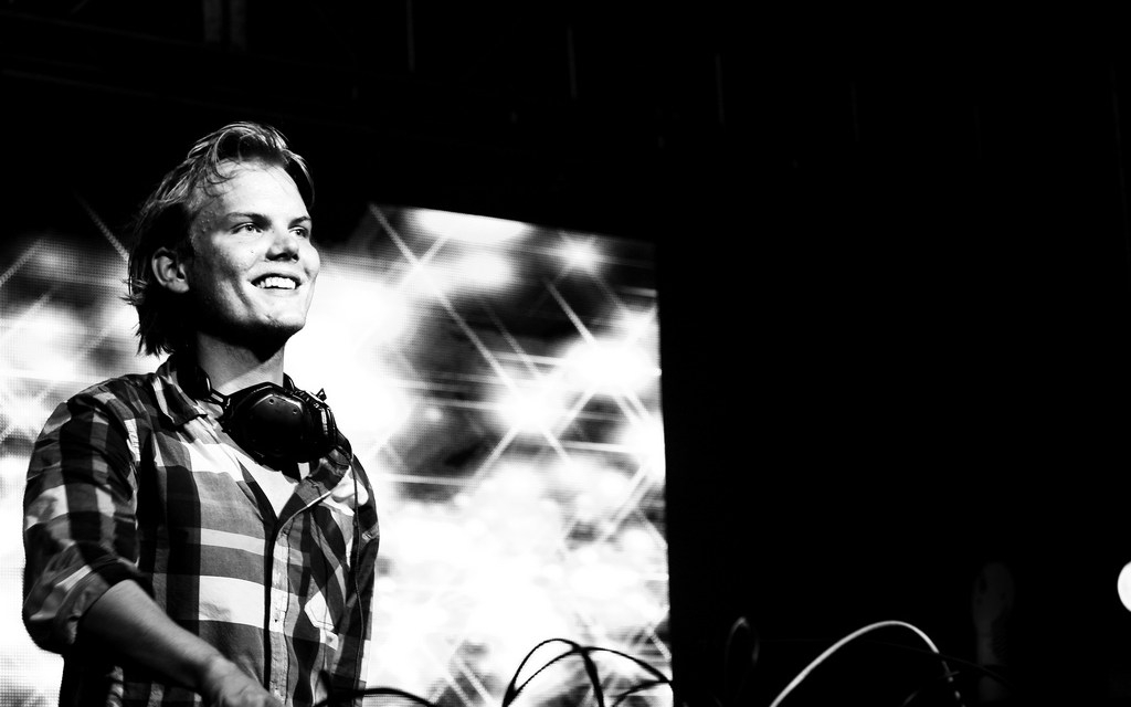 « We Write the Story » : hommage à Avicii (1989-2018)