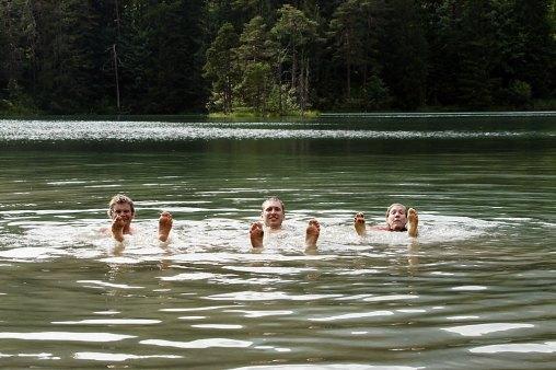 Kąpiel wgórskim jeziorze