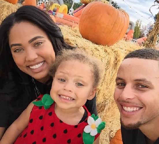 ecb181f3a2b Steph Curry's Wife (Ayesha) Pens Essay on Daughter Riley's Rambunctiousness