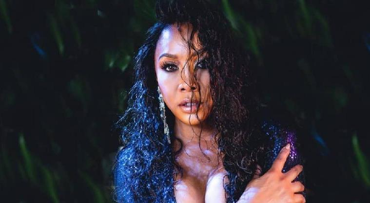 vivica a fox - boobs - sexy1