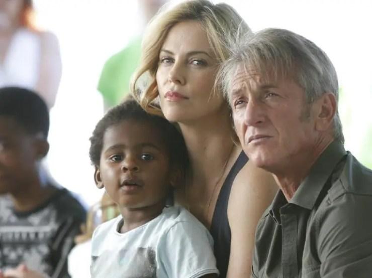 Charlize Theron, son/daughter Jackson & Sean Penn (Getty)