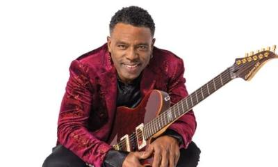 Norman Brown (with guitar)1