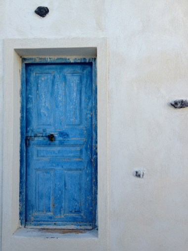 A blue door from Santorini. I would love to have one like it in my home some day.