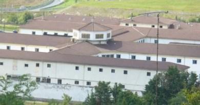Iceta aprueba que EH Bildu se reúna con directores de cárceles, pero recuerda que «el tratamiento lo deciden los jueces»,
