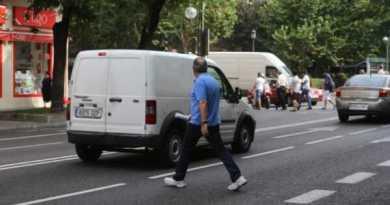 La Policía Local de Vitoria lanza una campaña para evitar más atropellos,