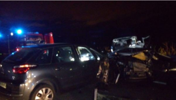 Un muerto y un herido grave en un terrible accidente en una autovía de Navarra,