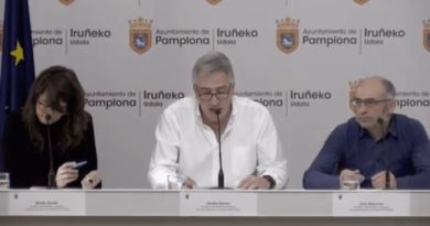 """El ex alcalde de Iruña Asiron tilda de """"ocurrencia"""" de Maya el anuncio sobre extender la zona azul a toda Pamplona,"""
