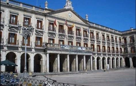 Vitoria-Gasteiz aprueba un plan de ayudas de 300.000 euros para modernizar hostelería y comercio,