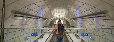 Cuatro personas en Donostia sancionadas por negarse a llevar la mascarilla en una estación de Euskotren,