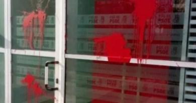 El PSE-EE de Álava condena el ataque con pintura a su sede de la Calle Portal de Foronda de Vitoria-Gasteiz,
