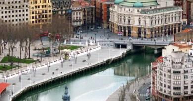 Bilbao refuerza las visitas turísticas con guías profesionales,