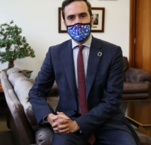 """Javier Hurtado: """"los consumidores tiene derecho a recibir una información veraz sobre las características de las mascarillas"""","""
