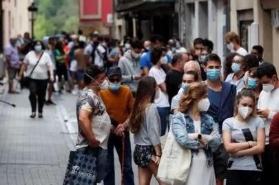 Euskadi contabiliza 26 muertes en una semana, suben a 788 los nuevos contagios y baja la positividad al 7,1%,