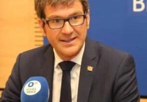 Gorka Urtaran (alcalde de Vitoria) muestra su preocupación por que la incidencia no haya bajado de 250 casos desde el verano,