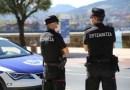 La Ertzaintza desaloja a decenas de personas que hacían botellón en la playa de Plentzia,