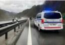 Quemados diez contenedores y nueve coches afectados con daños por el fuego en San Sebastián,